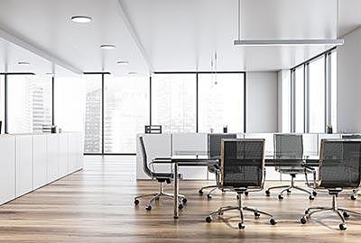 Büro mit einem Vinylboden