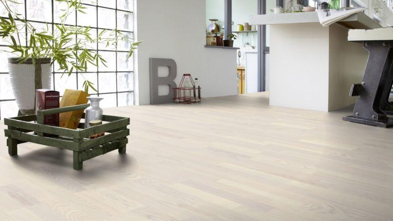 Tarkett Parquet Shade Natural Ash white pearl 3-strip floor