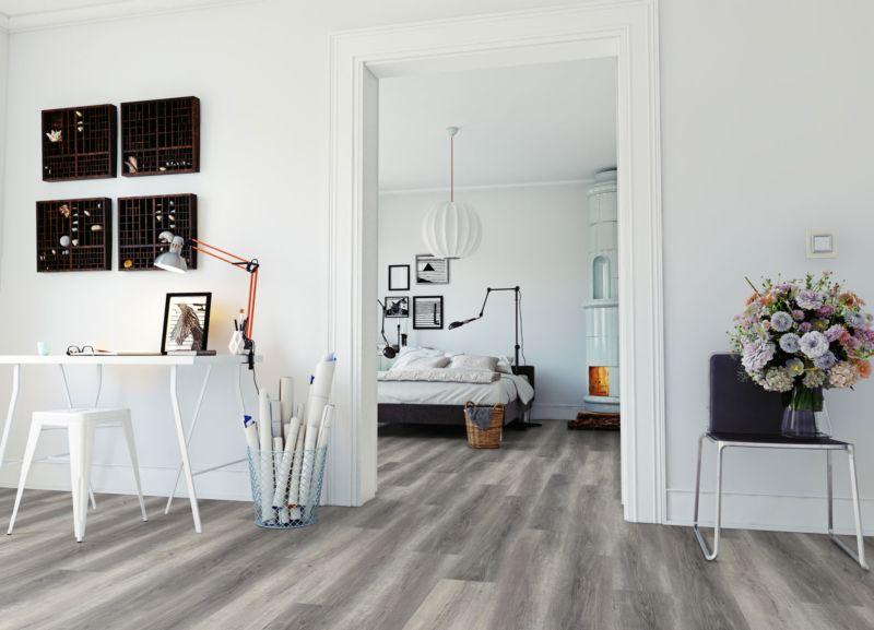 Skaben Vinylboden massiv Life 30 Pure Eiche Grau 1-Stab Landhausdiele Raum3