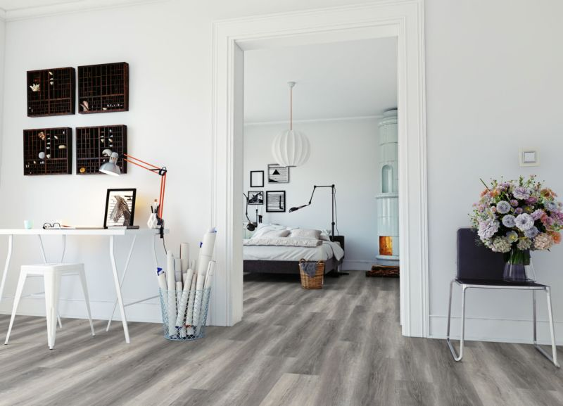 Skaben Vinylboden massiv Life Click 30 Pure Eiche Grau 1-Stab Landhausdiele Raum3