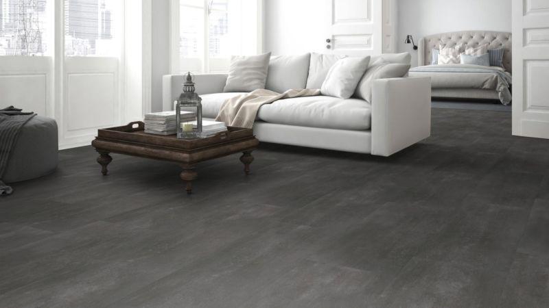 Skaben Vinylboden Aktionsware Cement Dark Grey Fliese zum Klicken