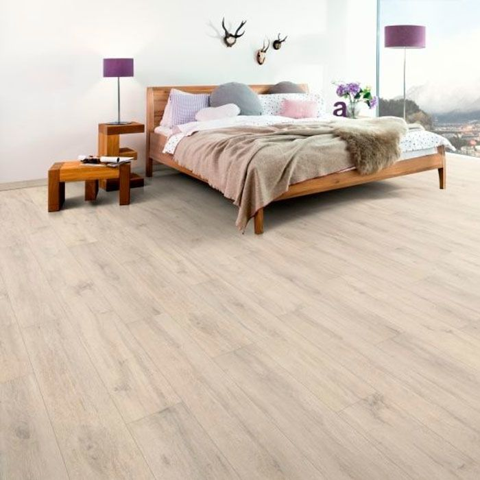 Egger Home Laminate 8/32 Classic Kurimo Oak EHL014 1-strip plank 4V