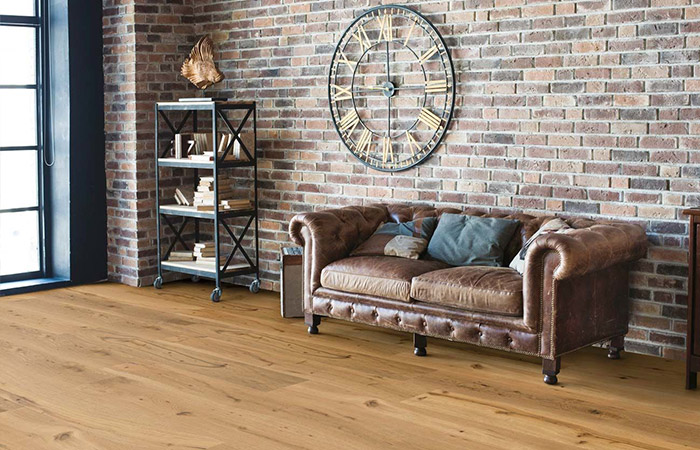 Skaben Parquet Special Offer Oak Rustic Knotty Oiled 1-Plank Wideplank 4V